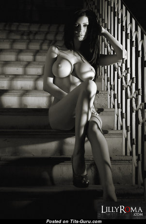 Splendid Nude Babe (Hd Xxx Pix)