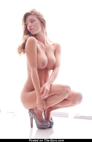 Amazing Undressed Babe (18+ Wallpaper)