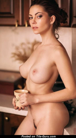 Beautiful Brunette Babe with Beautiful Exposed Real C Size Knockers (Hd Sex Foto)