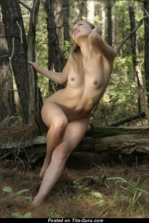 Image. Naked wonderful woman with small natural tittys picture