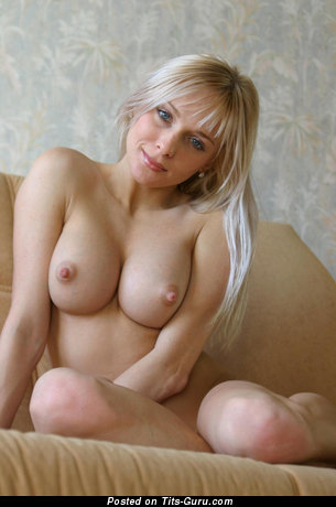 Image. Naked beautiful girl picture