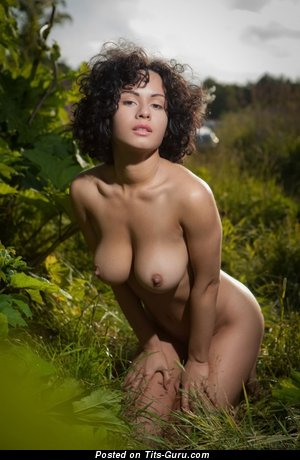 Image. Pammie Lee - naked brunette with medium natural boob picture