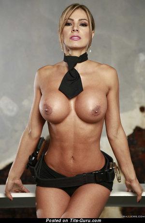 Esperanza Gomez - картинка шикарной голой блондинки латиноамериканки с силиконовыми сиськами