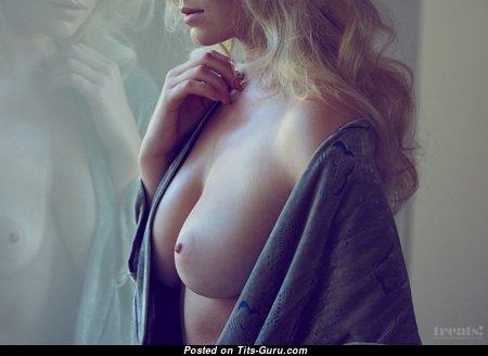 Splendid Nude Babe (Hd Xxx Pic)