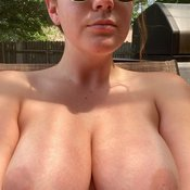 Gorgeous Babe with Gorgeous Bald Real Dd Size Boobys (Hd 18+ Foto)