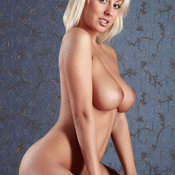 Aelita Aka Mandy Dee, Meris - sexy blonde with big natural tits picture