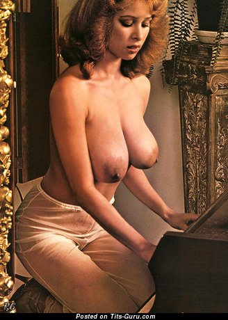 Image. Rosemary Saneau - nude beautiful woman with big natural boob picture