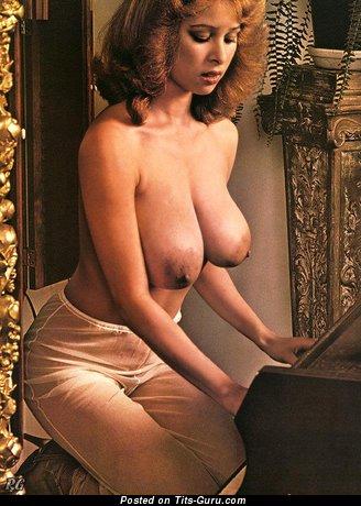 Image. Rosemary Saneau - naked amazing girl with big natural boob pic