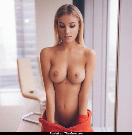 Wonderful Babe with Wonderful Naked Real Regular Tit (Sexual Pic)
