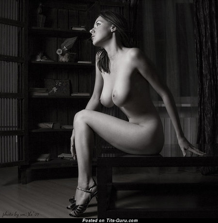 Image. Tania Kliukvina - naked awesome lady with medium natural boobs picture