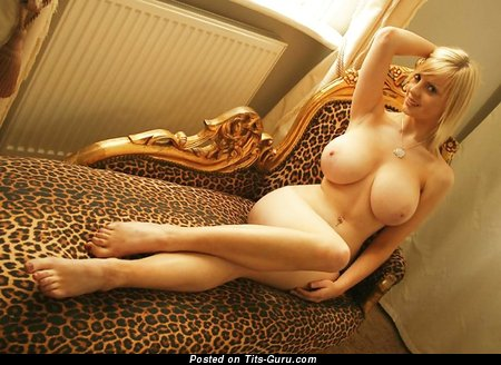 Rachel Brownsword - sexy nude blonde with big tittes pic