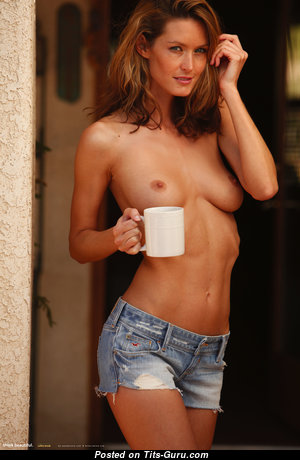 Good-Looking Topless Woman (Hd Sex Picture)