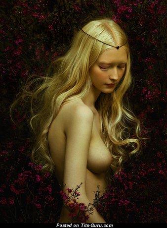 Изображение. Фото шикарной голой блондинки