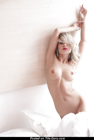 Image. Nude wonderful lady with natural tittys image