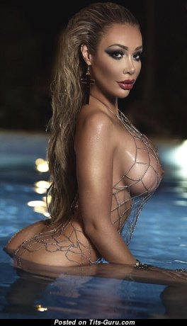 Good-Looking Topless Skirt (Hd Porn Foto)