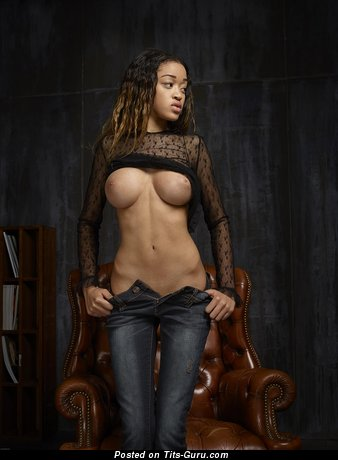 Tyra - sexy naked brunette with big tittes image