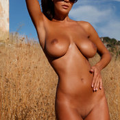 Ela Savanas - beautiful woman with big natural tittys pic