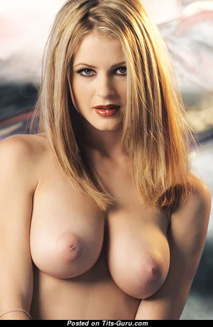 Sweet Babe with Sweet Exposed Real Med Boob (Xxx Image)