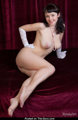 Image. Mirelle - nude awesome lady with medium natural boob photo