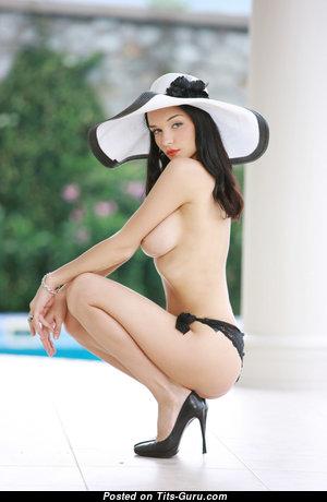 Eugenia Diordiychuk Aka Katie Fey Aka Shawnee Aka Jenya D Aka Jenya K - Good-Looking Brunette with Good-Looking Open Medium Melons in High Heels (Hd 18+ Foto)