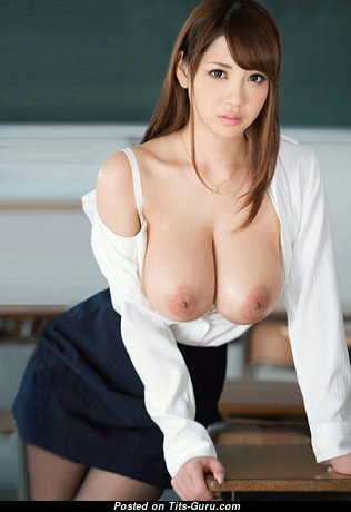 Lovely Topless Asian Babe & Teacher with Lovely Open Natural Dd Size Tits (Hd Sexual Foto)
