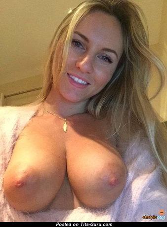 Delightful Naked Babe (Amateur Leaked & Selfie Sex Wallpaper)