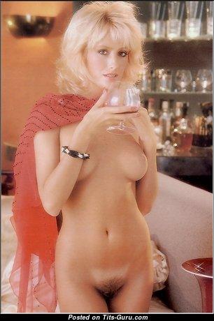 Пленительная голая блондинка (интимное фото)