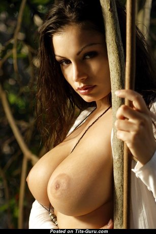 Marvelous Undressed Babe (Hd 18+ Foto)