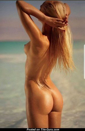 Sexy nude blonde with small natural boobs and big nipples image
