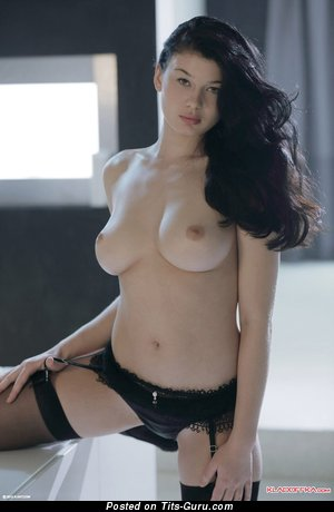 Image. Lucy Li - naked brunette with big tittes photo