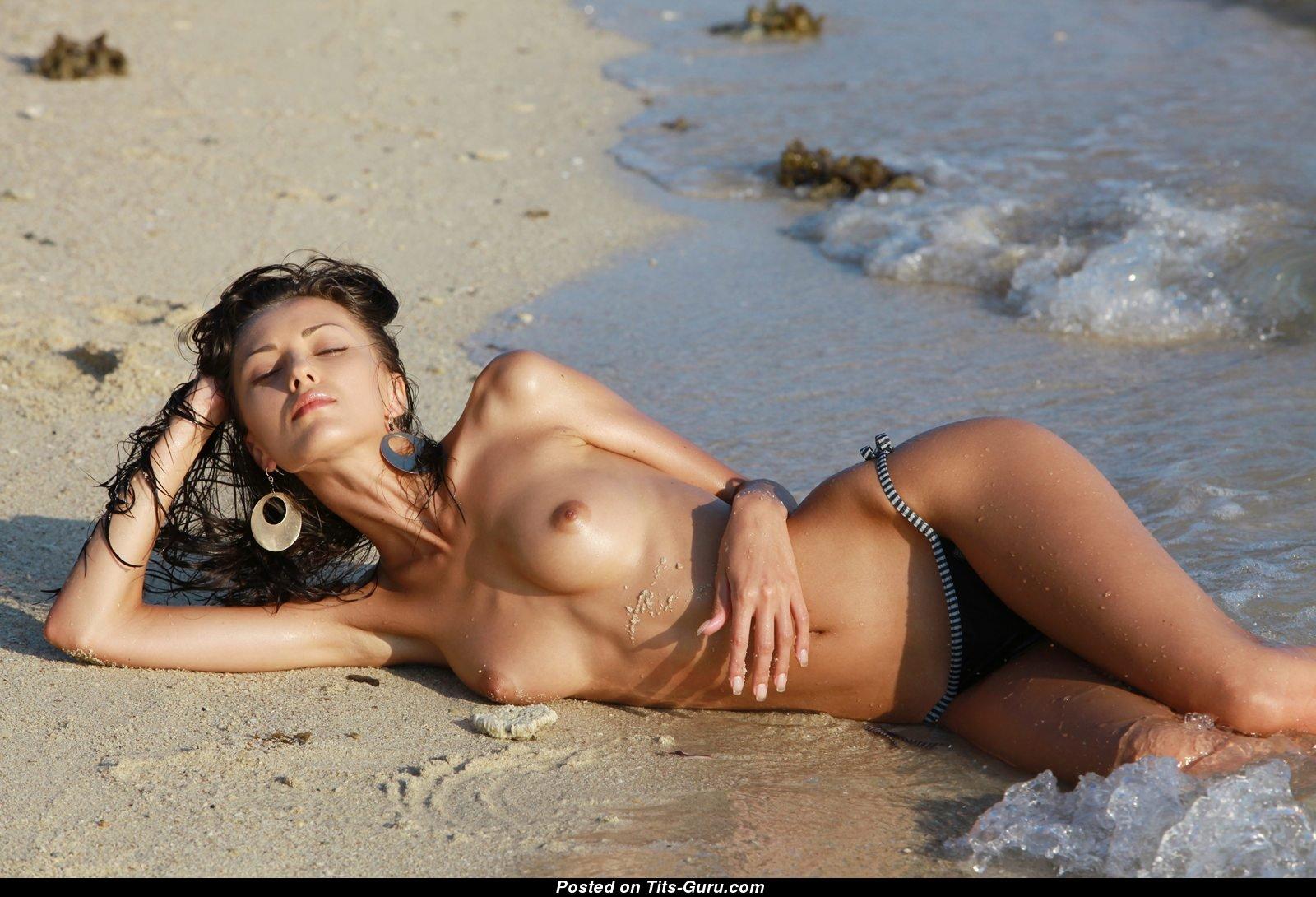 sexey nude beach pics