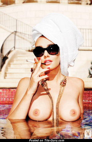 Tamara Ekklstoun - Exquisite Moll with Exquisite Naked Big Tittes is Smoking in the Pool (Hd Sex Photoshoot)