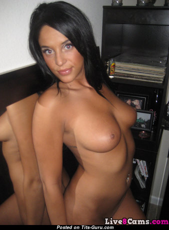 Lovely Brunette Babe with Lovely Naked Hefty Boobie & Weird Nipples (Amateur Hd Porn Pix)