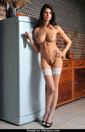 Изображение. Изображение обалденной обнажённой леди с натуральной грудью