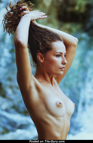 Topless awesome woman with natural boob pic
