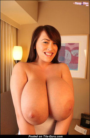 Leanne Crowe - Awesome Nude Babe (Xxx Image)