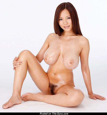 Ruri Saijo - nude hot woman with big tots pic