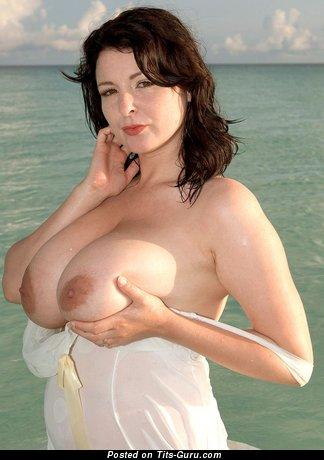 Image. Naked beautiful girl photo