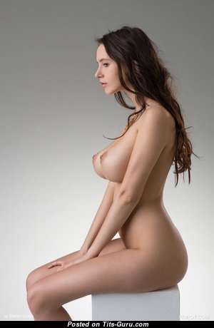 Fine Babe with Fine Bald Real C Size Jugs & Huge Nipples (Hd Xxx Photo)