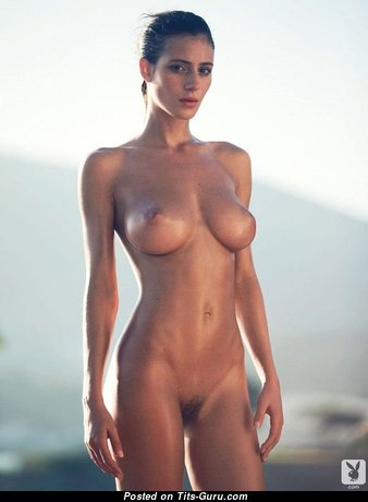 Alejandra Guilmant - The Nicest Mexican Red Hair with The Nicest Open Natural Average Boobie in Shorts (Sexual Pic)