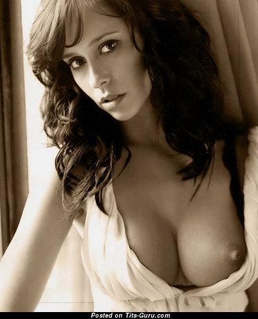 Image. Jennifer Love Hewitt - sexy nude awesome lady with medium natural boob picture
