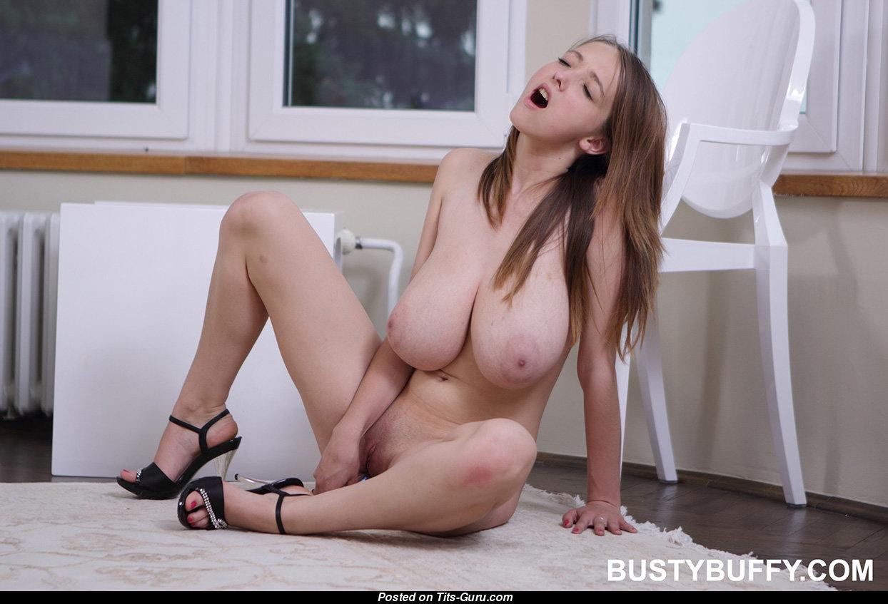 Busty buffy real tits