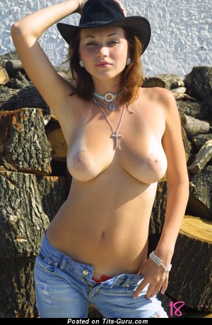 Image. Tamara - nude beautiful lady with medium natural tittes picture