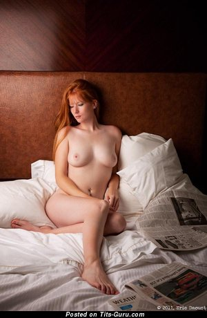 Image. Red hair with medium natural tittes picture