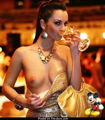 Splendid Miss with Splendid Bald Natural Aa Size Boobie (Home Sexual Image)