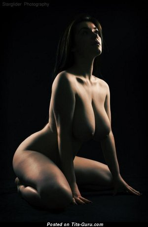 Image. Penelope Young - naked amazing woman with big natural tittys image