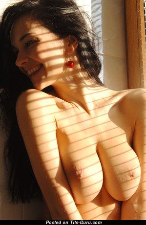 Jenya D - naked nice lady image
