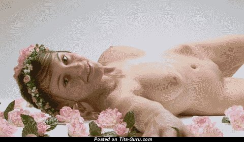 Image. Awesome lady with natural tittys gif