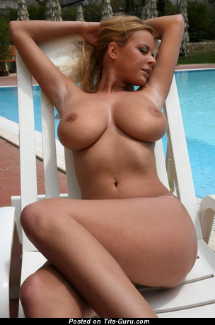 Magnificent Blonde with Magnificent Naked Natural Dd Size Knockers (Private Porn Pic)