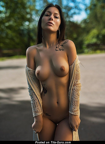 Charming Babe with Charming Bare Real C Size Boobs (Sex Photoshoot)